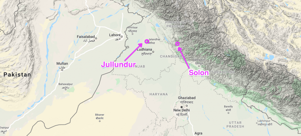 A physical map of northern India in light green and yellow. A white border runs from top to bottom towards the left, beyond which is Pakistan. A purple arrow points to Jullundur and another to Solon. The letter barracks is directly north of Delhi at the start of the Tibetan mountain range.