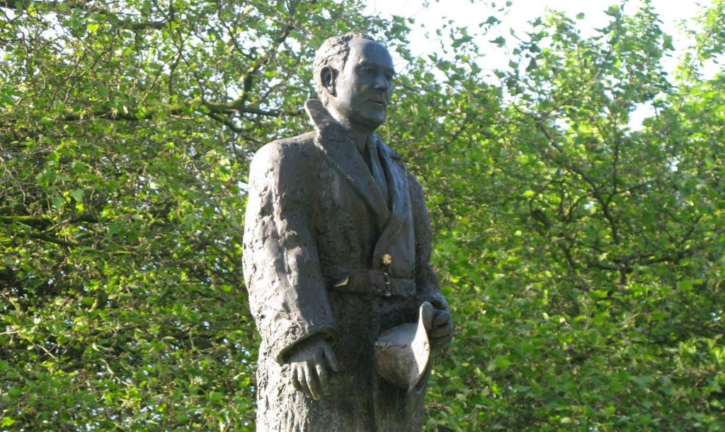 Sean Russell bronze statue Fairview park